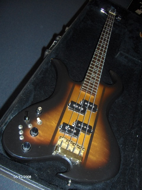 bc_rich_wave_bass_299999_20110104_1967360969.jpg