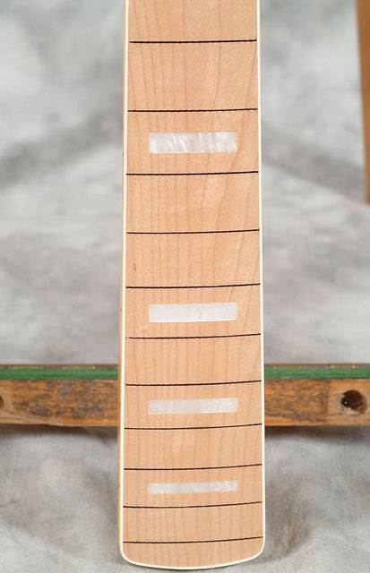 Fretless Neck with White Blocks 03.jpg