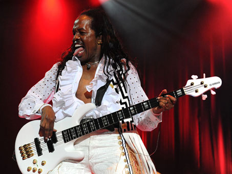 Verdine White Jamming.jpg
